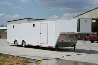 40' inTech Aluminum Gooseneck Race Hauler